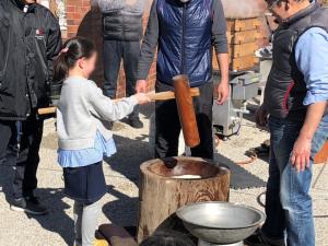 新春餅つき大会(主催:谷戸子ども会)が実施されました!